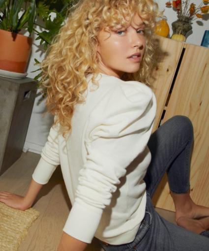 nikka sweatshirt off white model